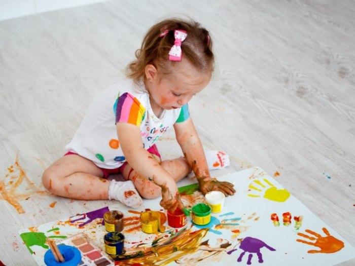 Пальчиковые краски. Какая польза в раннем рисовании у детей