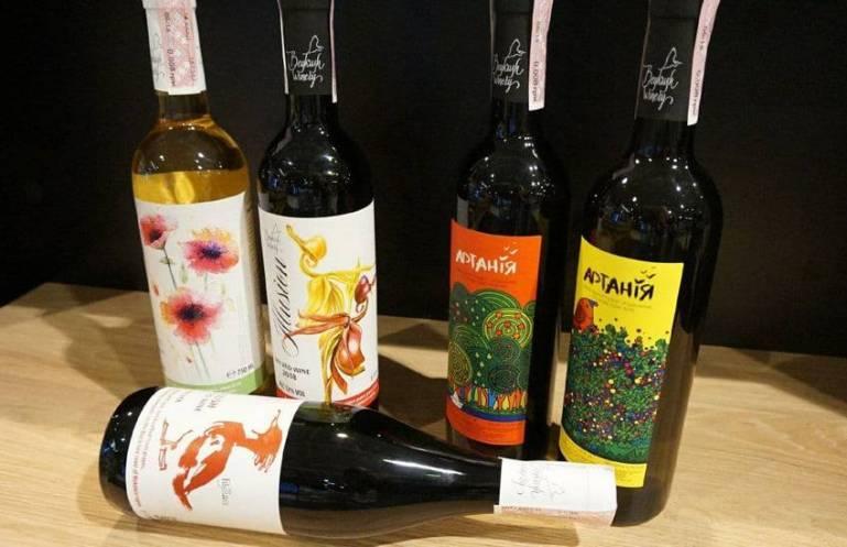 Этикетки на бутылки: особенности печати