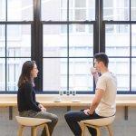 Как перестать испытывать неловкость в общении