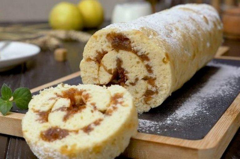 Рецепт бисквитного рулета с яблоками и орехами