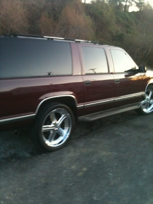 small resolution of chevrolet suburban 1995 foto 3