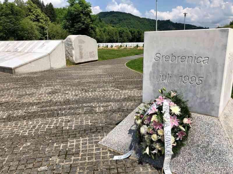 Žao nam je svih nevinih žrtava zločina u Srebrenici, ali tamo nije počinjen genocid