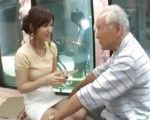 [マジックミラー号] 美人なのに爺さんにもヤらせてくれる優しい女の子