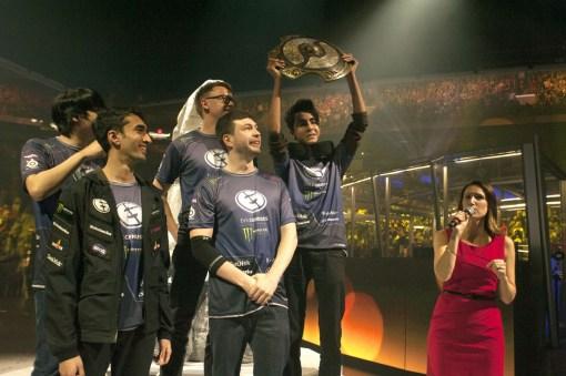 TI5 champions Evil Geniuses