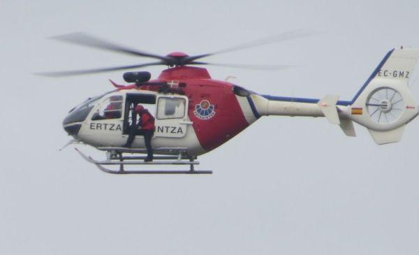 El helicóptero ha sobrevolado Durango y Iurreta FOTO: dotb.eus