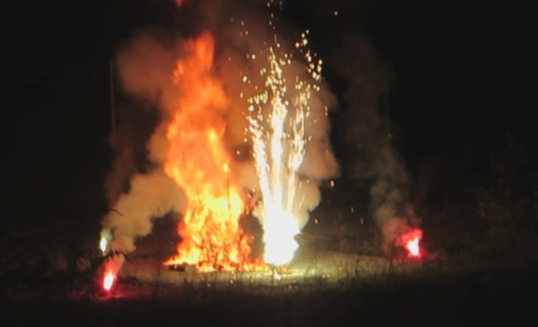 Momento de esta tarde de la quema del Patxikotxu FOTO: dotb.eus