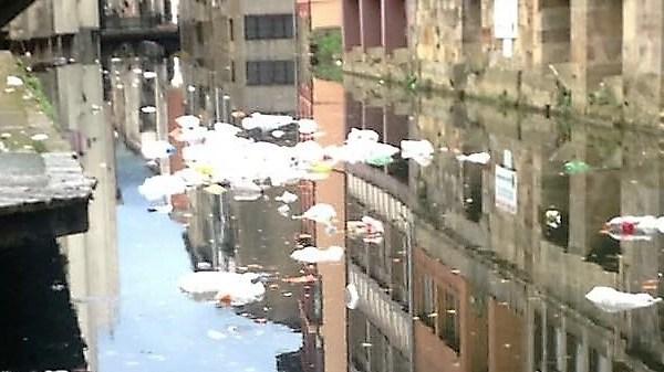 Situación que presentaba el río Mañaria ayer
