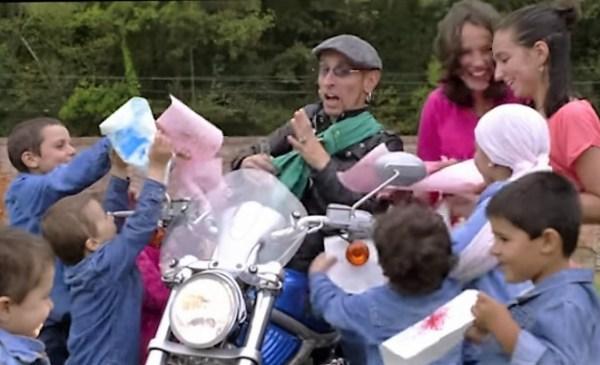 Ayer tuvo lugar en Gernika el sorteo de la Harley de Fito