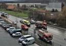 [dotb.eus] [vídeo] Tres personas heridas tras una colisión entre un camión y tres coches en Iurreta