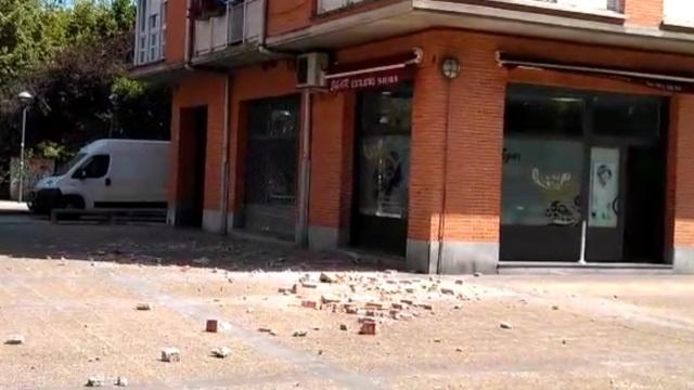 [dotb.eus] [vídeo] Sobresalto en la zona de Sasikoa, en Durango, tras caer cascotes de la fachada