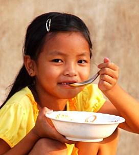 flour-girl-eating