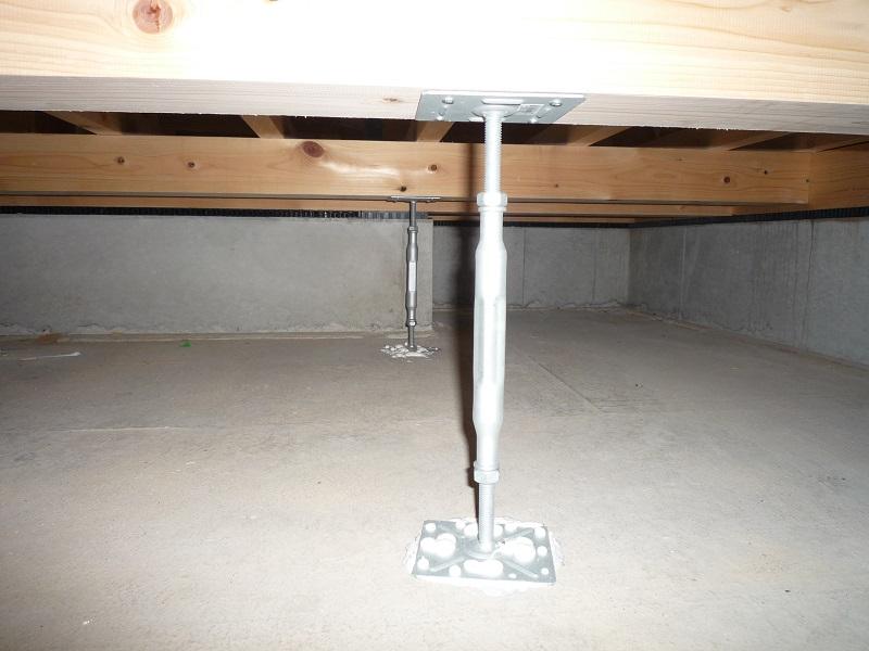 床を支える鋼製束