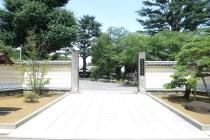上野寛永寺正門前