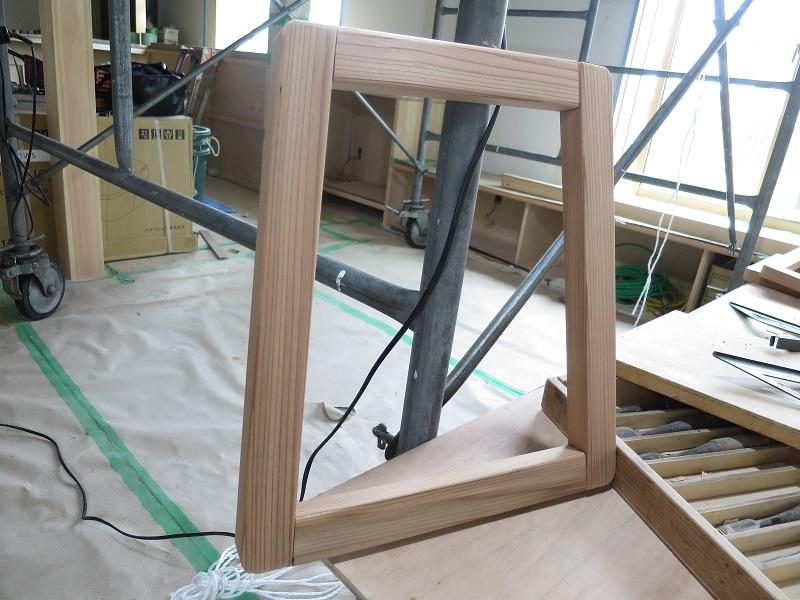 秋田杉で椅子作り