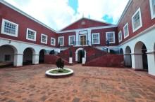 O palácio abriga dois museus: no pavimento térreo encontra-se instalado o Museu da Marinha; no pavimento superior, o Museu-Palácio de São Paulo, com uma coleção de artes decorativas, onde se destaca uma das maiores colecções do mundo de mobiliário indo-português.