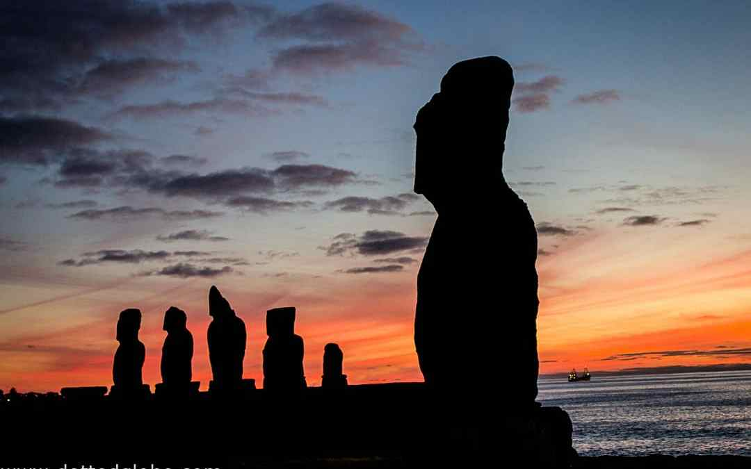 5 Books to read before visiting Easter Island
