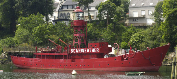 Le scarweather bateau phare au port Rhu à Douarnenez