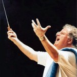 Listen to James Levine conduct Fidelio online