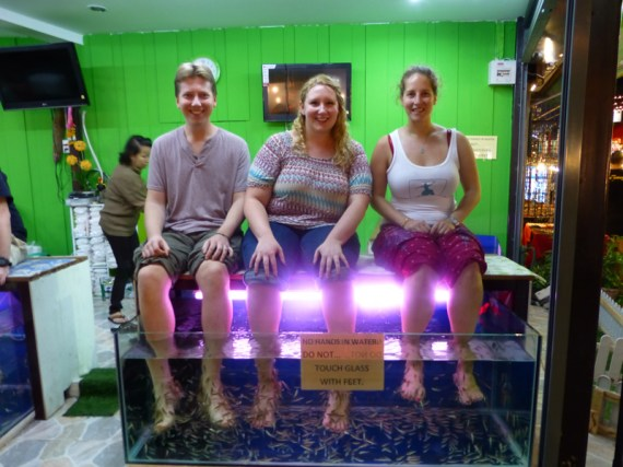 Fish Pedicure in Thailand with hubby and the Running Jewess. Eeeeek!
