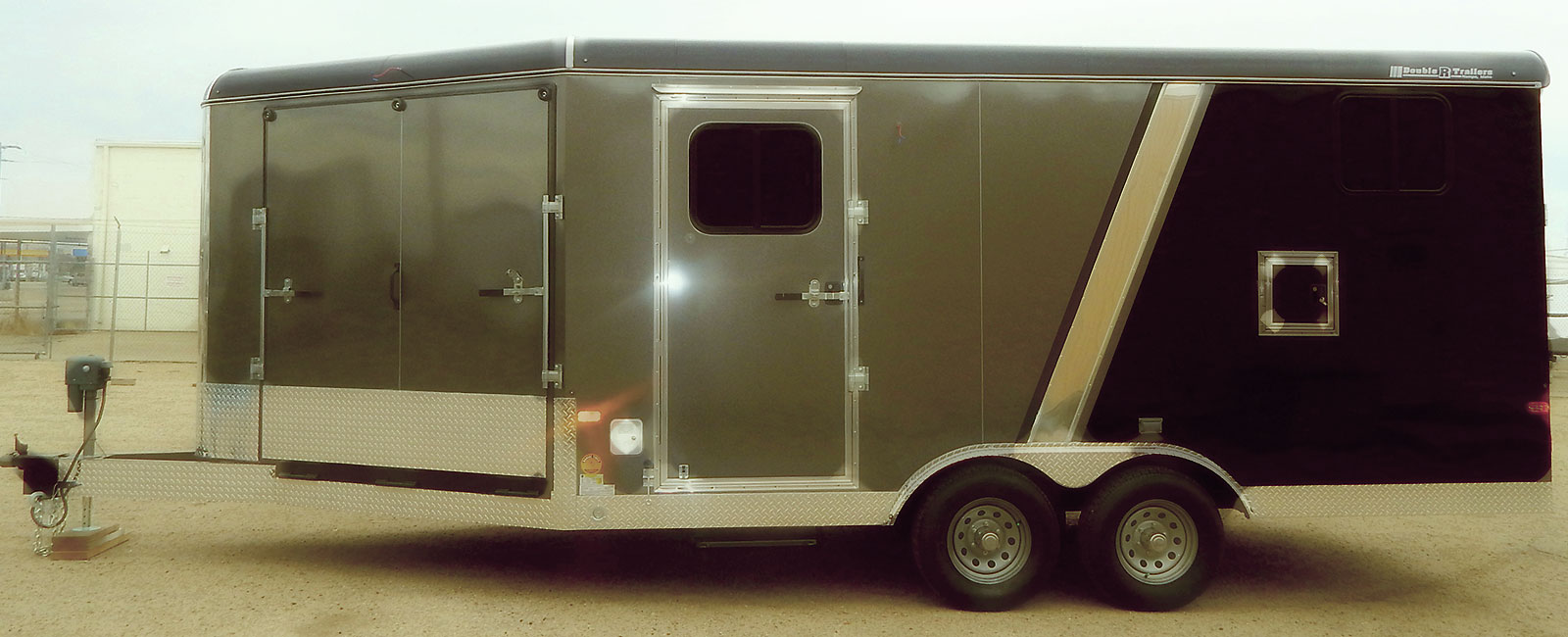 hight resolution of enclosed trailer