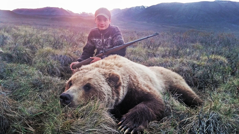 Alaskan Grizzly Bear Hunting Guide