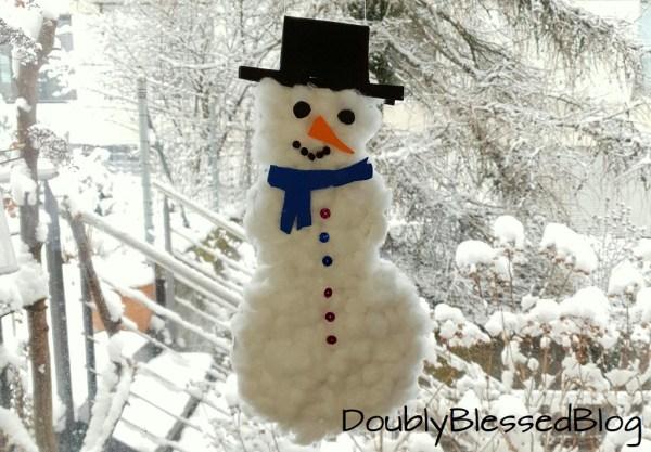 Schneemann mit Kindern basteln für die Fenster