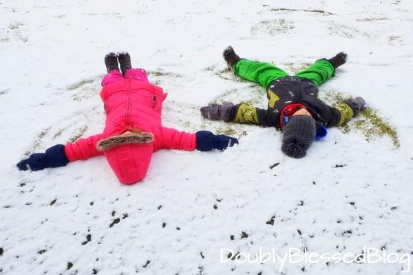 Schneeengel machen