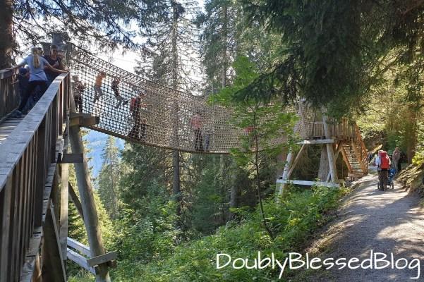 Erlebnisweg Riesenwald in Elm / Glarus / Schweiz - Kinderwanderweg