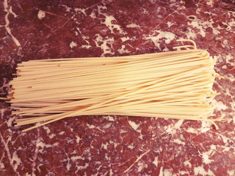 Simplement Bon : spaghetti con curvo au saumon 鮭魚鬆義大利麵