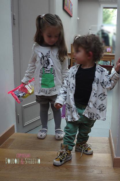 Choupette : T-shirt de Thaïlande, chaussures Mini Melissa / Little S : gilet de Thaïlande, baskets Milk on the rocks x Feiyue