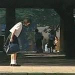 【感動】神社・鳥居に一礼して通学するJK ミッション系の学校でなぜ?
