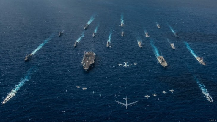 F2戦闘機の海上迷彩が凄いと話題に