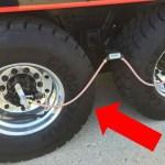 大型トラックのタイヤに付いた ホースの意味【驚きの機能】