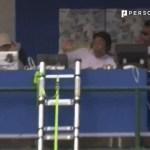 帯広でハプニング… 放送席にボールが直撃!!