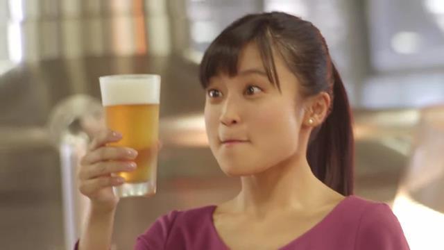 小島瑠璃子 が出演する キリンビール キリン のどごし <生> のCM「工場で日本一! 小島瑠璃子」篇