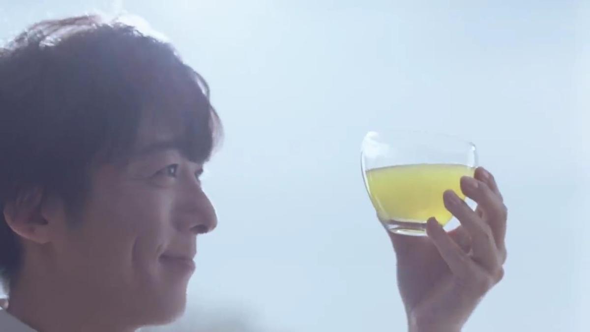 高橋一生 が出演する キリンビバレッジ キリン 生茶 のCM「ソファ」篇