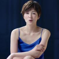 吉瀬美智子 が出演する ニベア花王 のCM 「ニベアボディ 5年ぶりの大改良」篇。