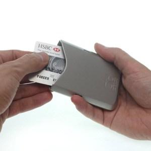 Obtanium wallet pulling card