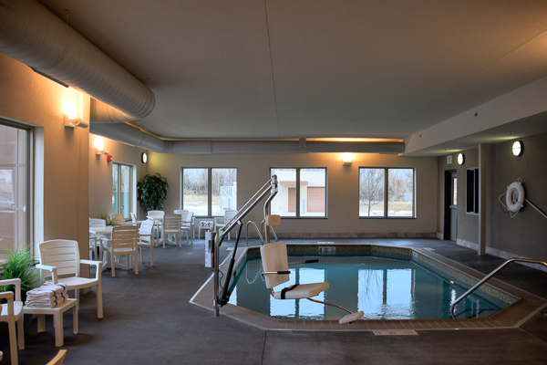 The swimming pool at Country Inn & Suites By Carlson - Springfield, Illinois