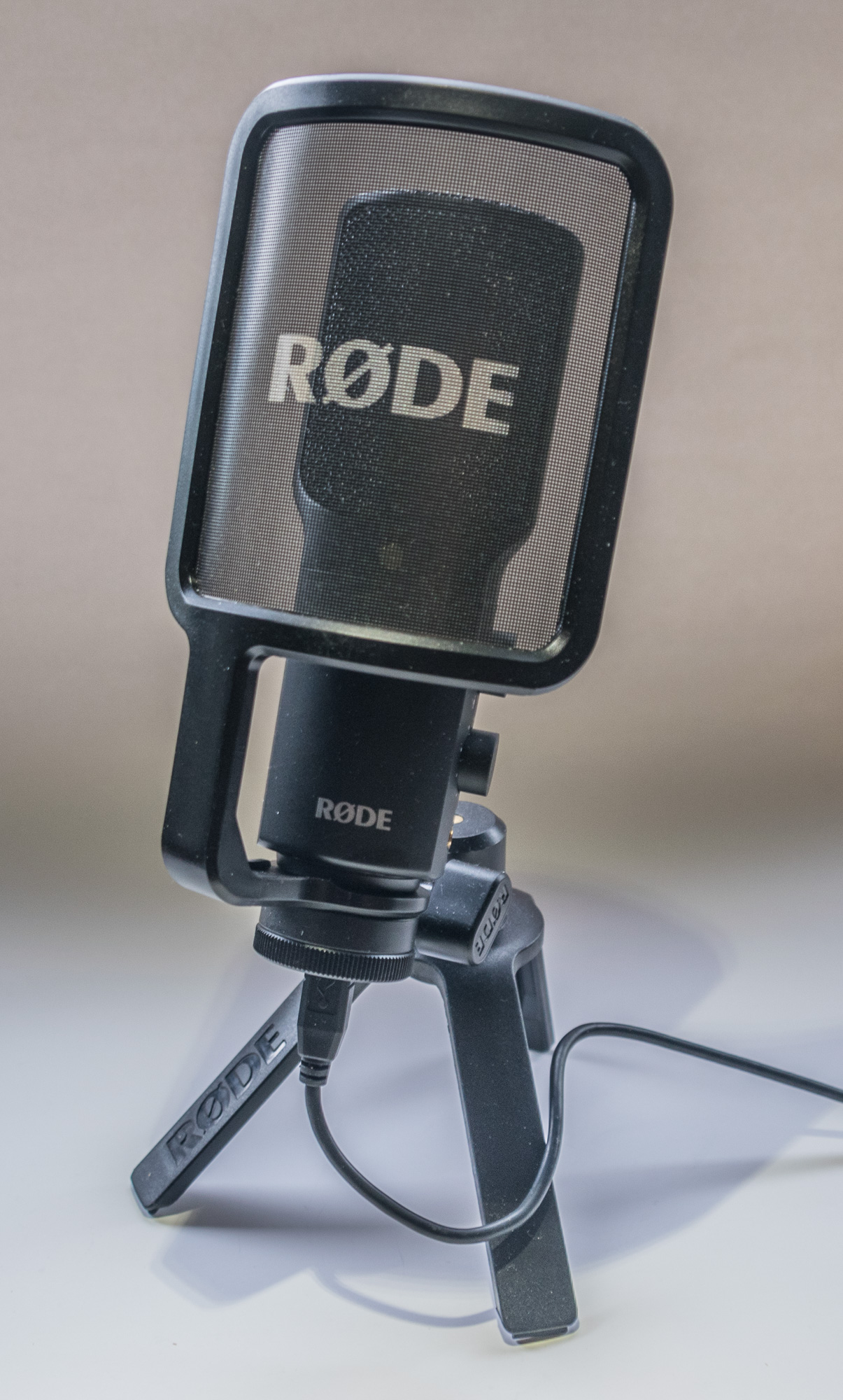rode nt usb for studio quality recording anywhere doug bardwell. Black Bedroom Furniture Sets. Home Design Ideas
