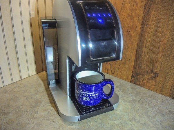 Touch coffee brewer with many brewing sizes and strengths