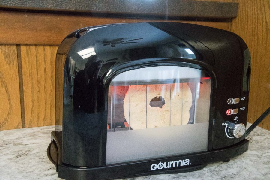 Gourmia GWT230 2 Slice Motorized Toaster