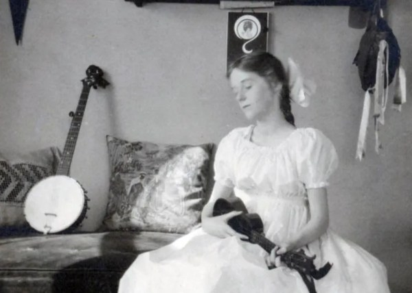 Young lady with ukulele and banjo