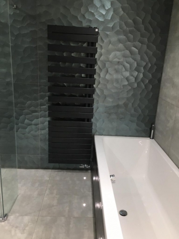 Gloss Feature Wetroom 6