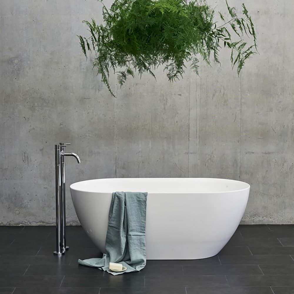 N1ACS+CW13 Clearwater Formoso Petite Clear Stone Freestanding Bath White