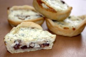blue cheese and mushroom mini pies