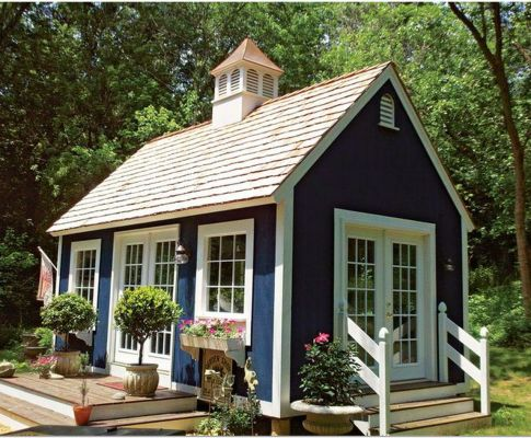 67 Living Small – Designing a Guest House With Traditional Nature and Modern Farmhouse Exterior