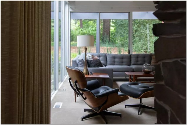 Mid Century Modern Chair In Living Room