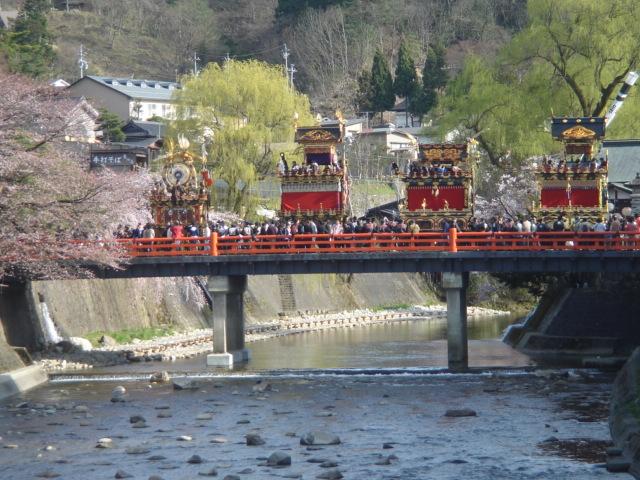 春の飛騨高山祭