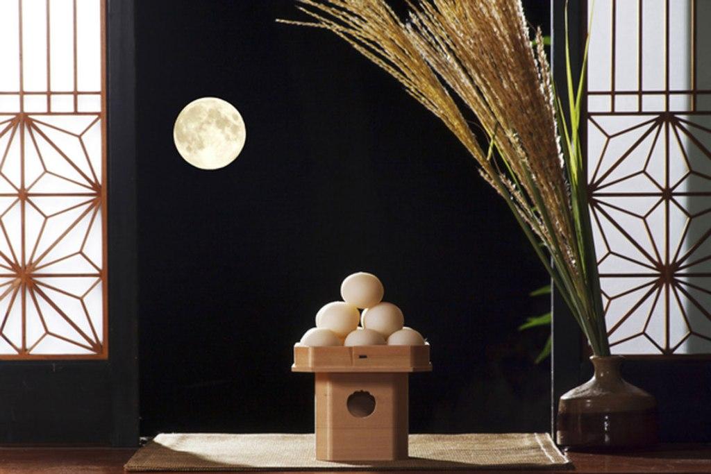十五夜中秋の目御月